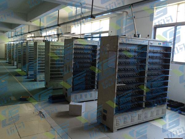 优闪移动电源工厂电池分容柜(可以同时上线1万组电芯)