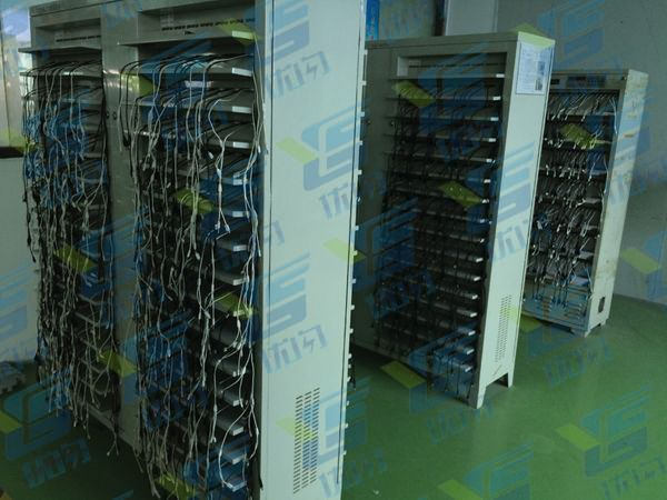 优闪移动电源工厂老化设备(可以同时上线老化成品1万个)